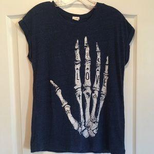 ✨Women's Garage Graphic Love shirt